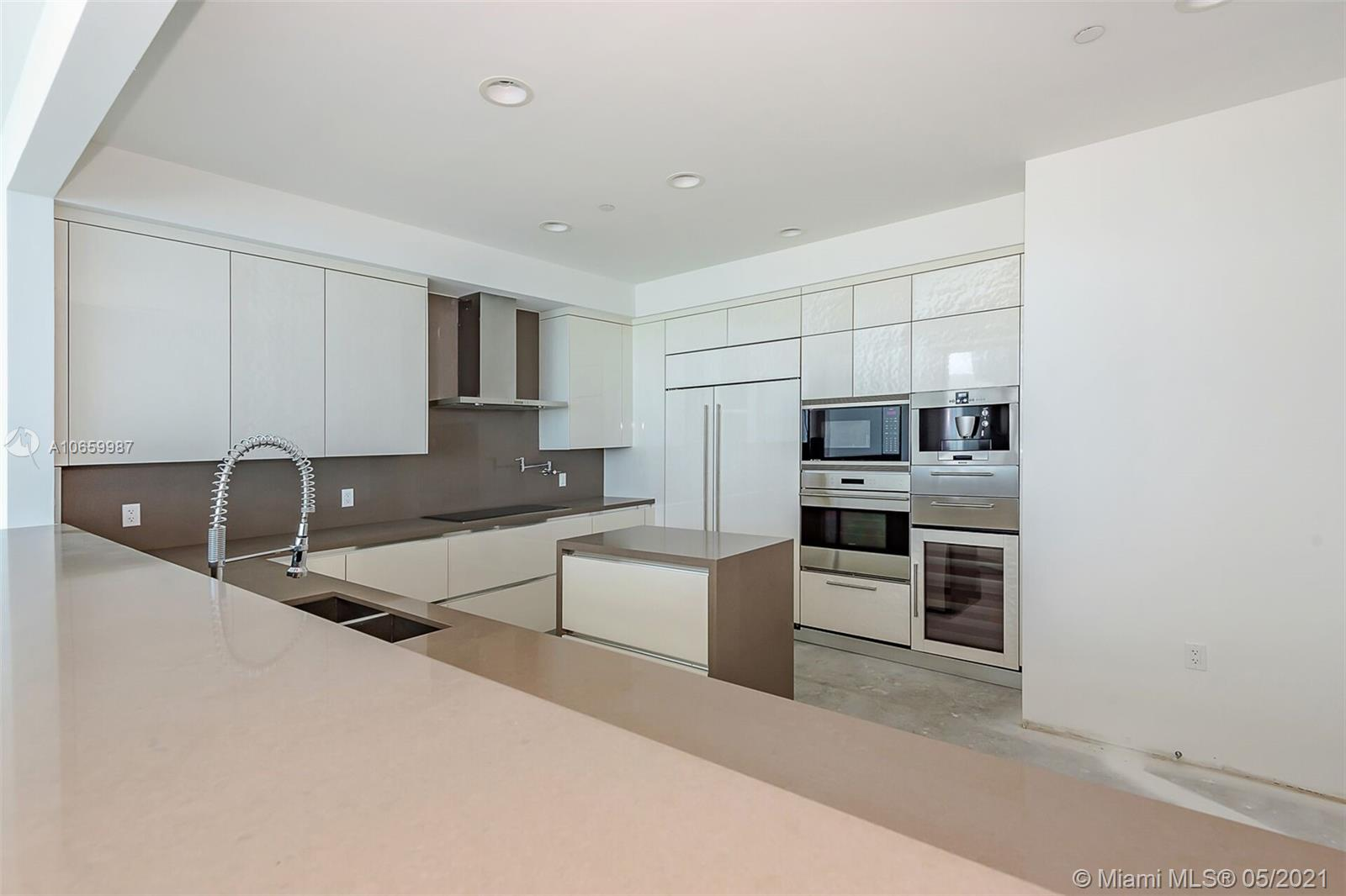 17475 Collins Ave #2701 photo012