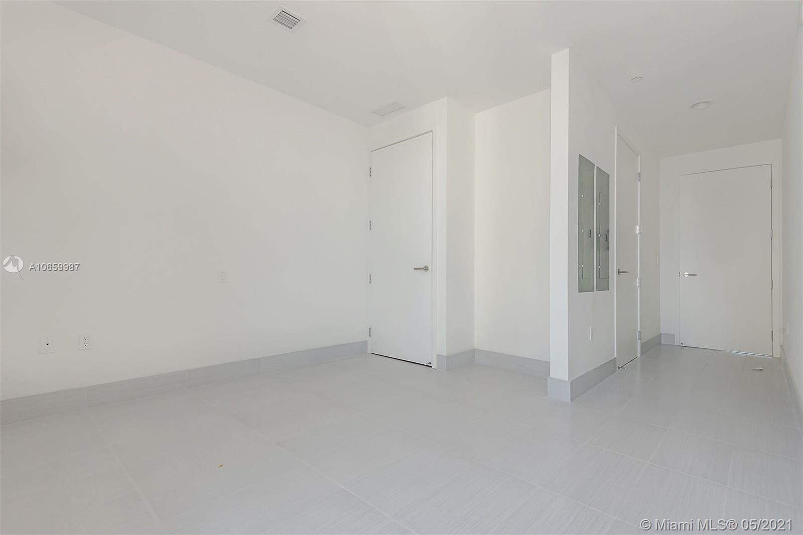 17475 Collins Ave #2701 photo014