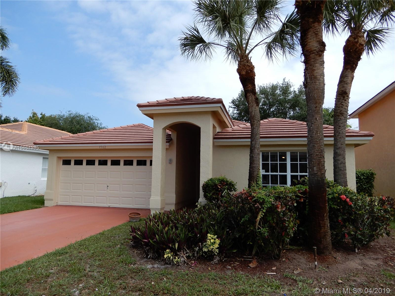 Property for sale at 1562 S Club Dr, Wellington,  Florida 33414