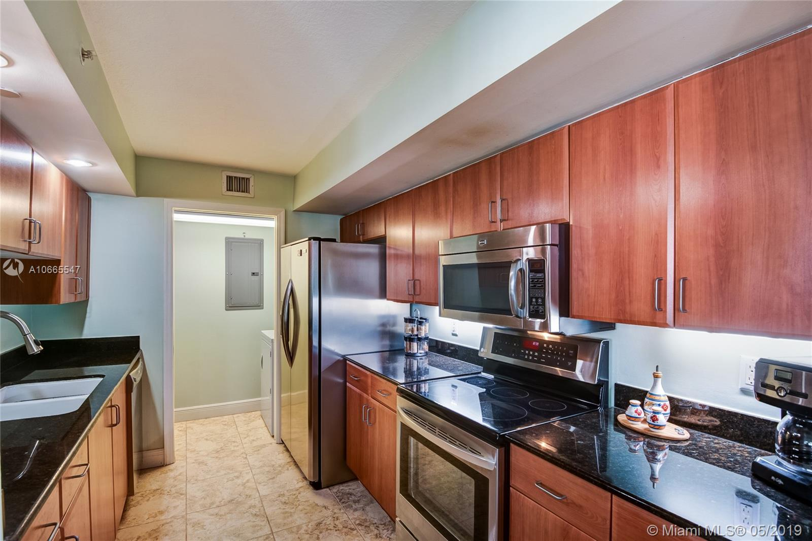 6917 Collins Ave #514 photo08
