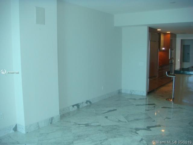 3801 Collins Ave #505 photo06