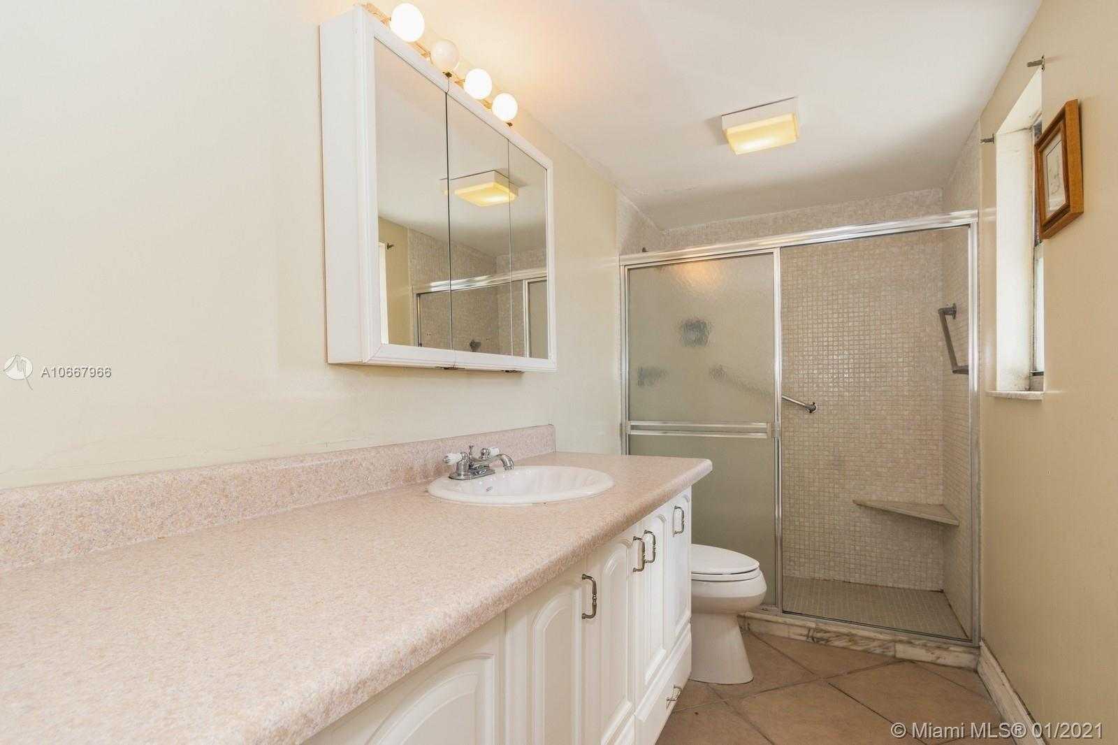 5825 Collins Ave #6C photo040