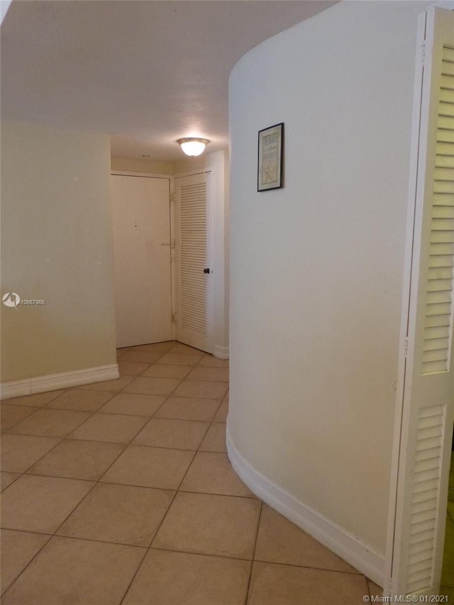 5825 Collins Ave #6C photo025