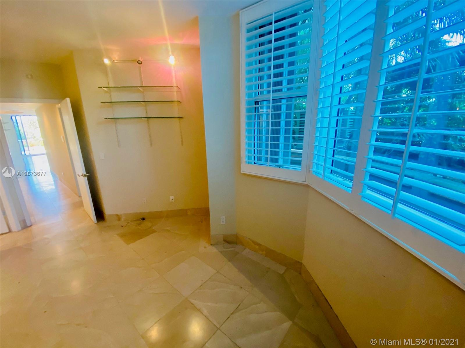 300 S Pointe Dr #303 photo09