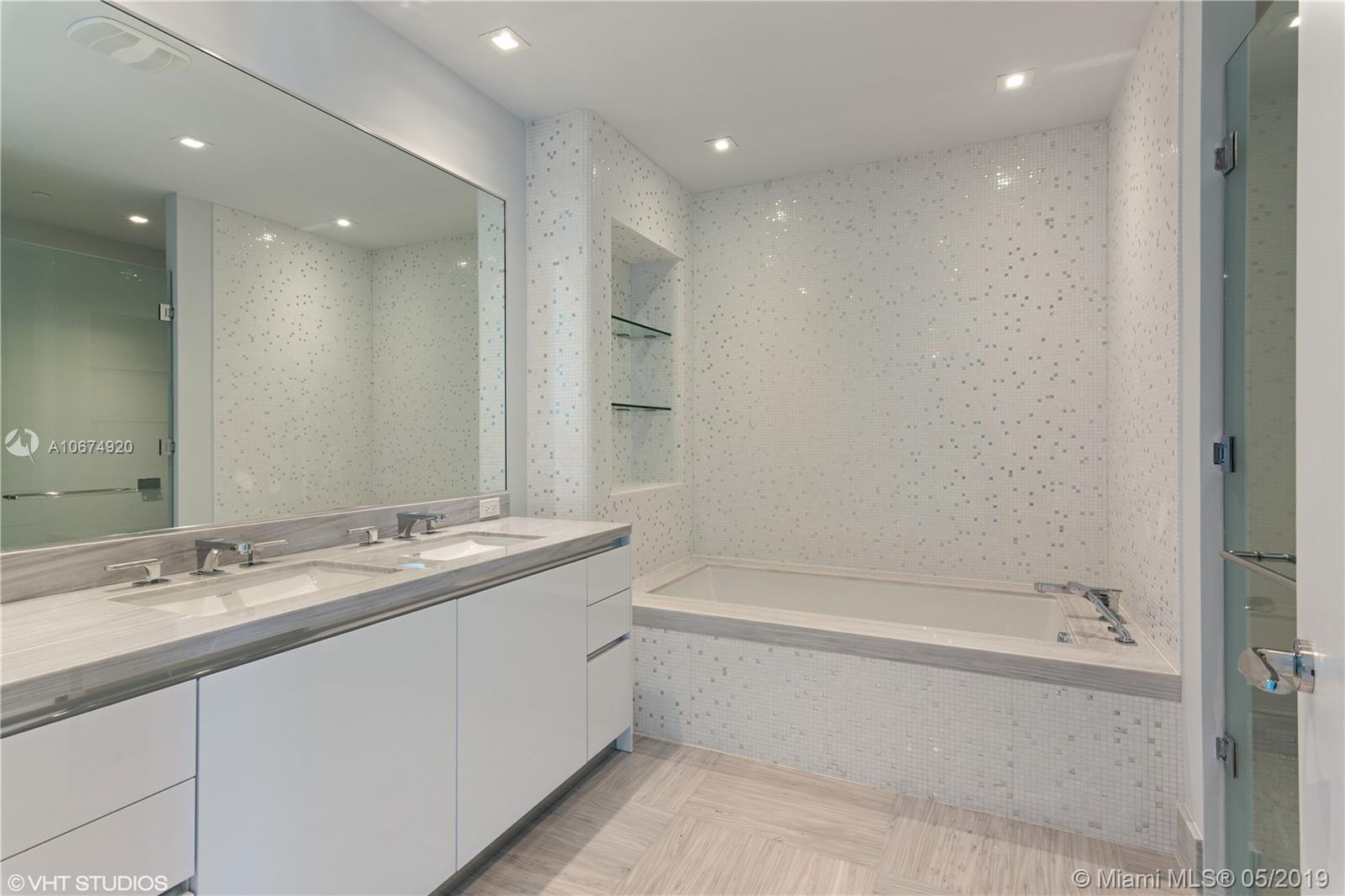 16901 COLLINS AVE #1802 photo05