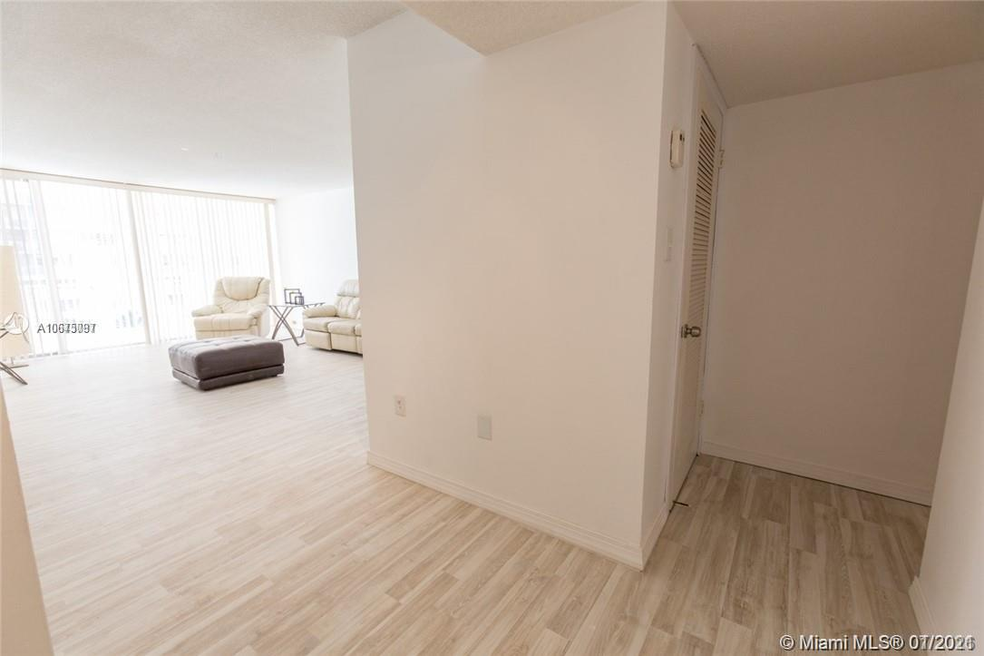 18061 Biscayne Blvd #501 photo06