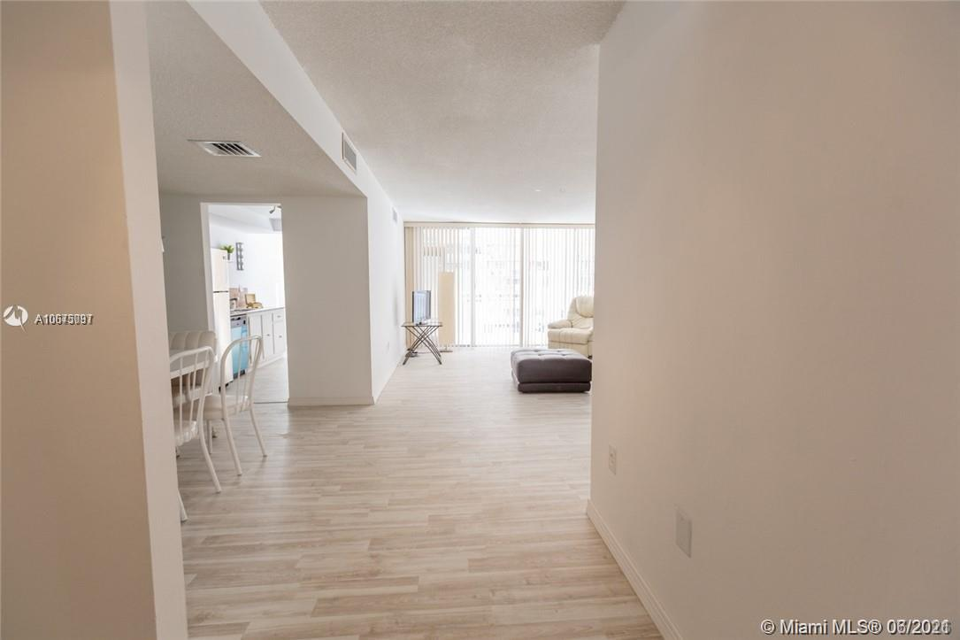 18061 Biscayne Blvd #501 photo020