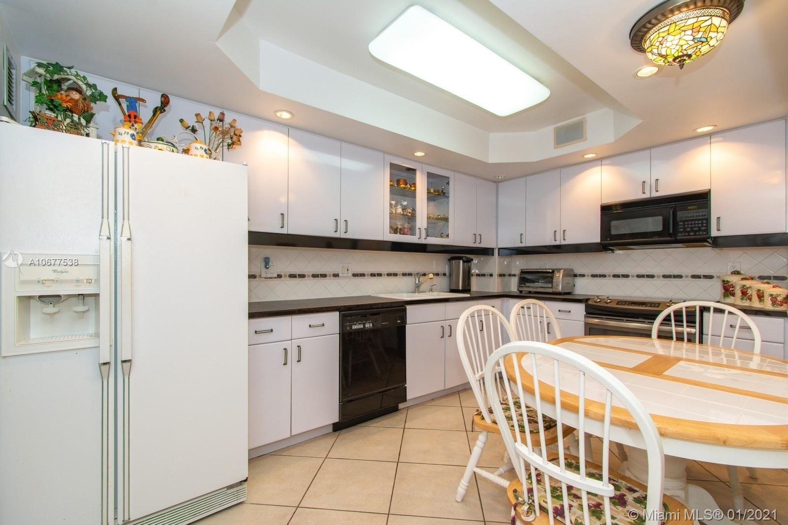 5825 Collins Ave #6B photo031