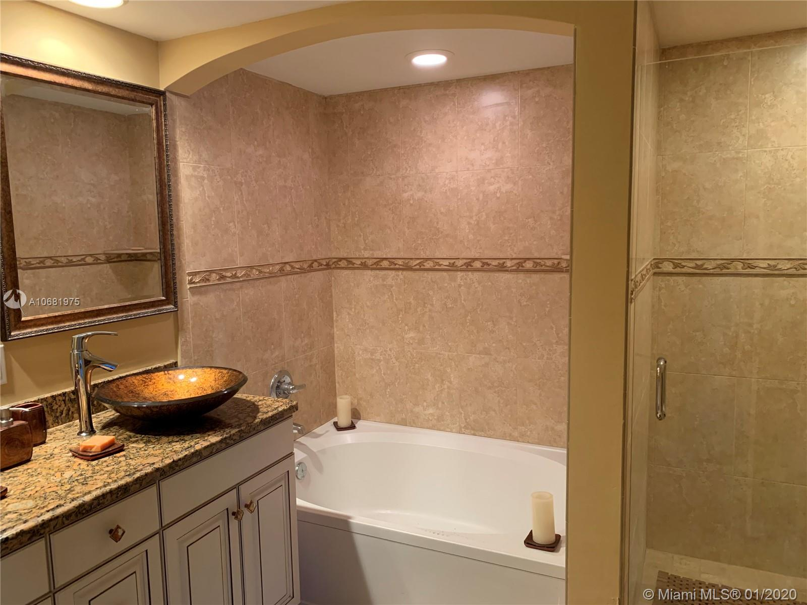 9201 Collins Ave #725 photo016