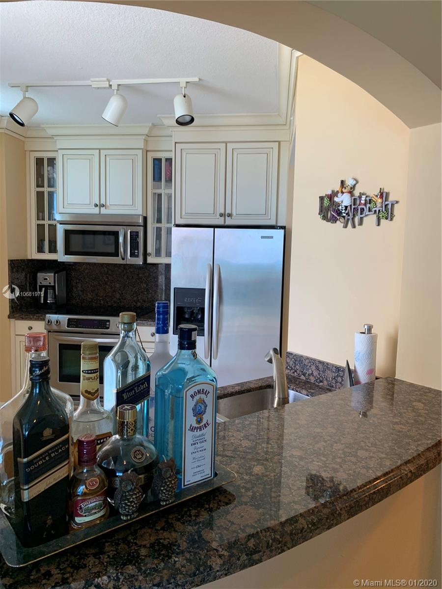9201 Collins Ave #725 photo09