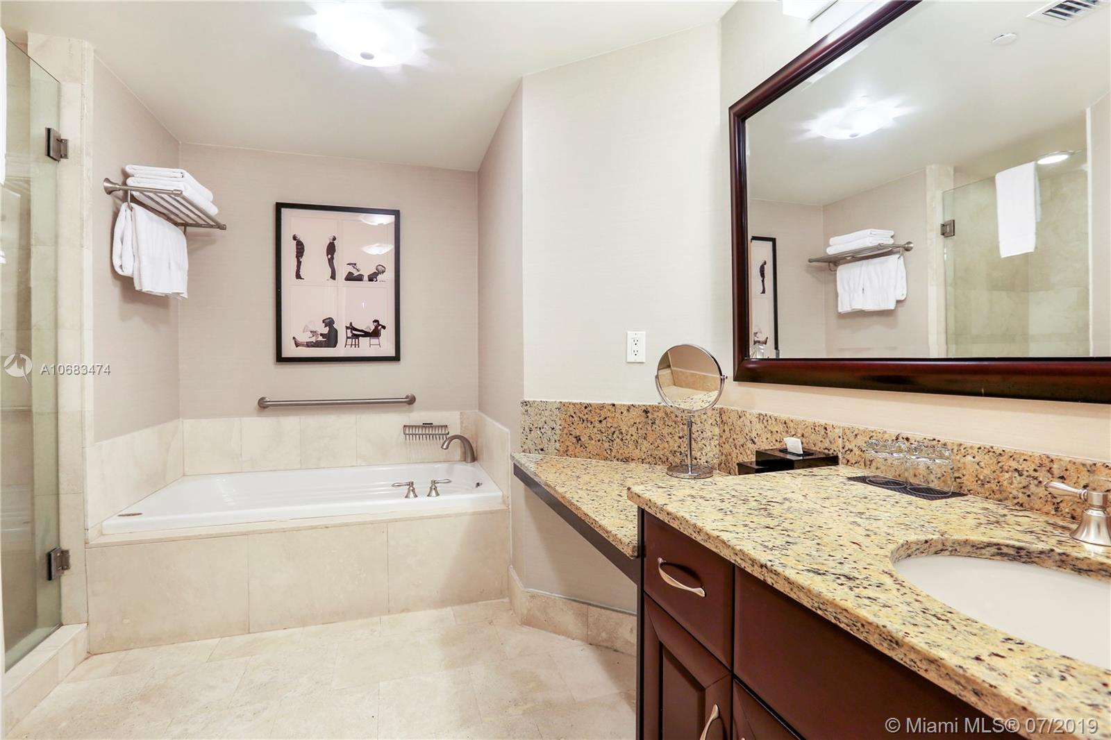 4401 Collins Ave #1408 photo010