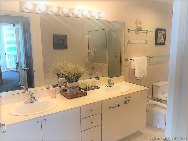 17375 Collins Ave #2608 photo022