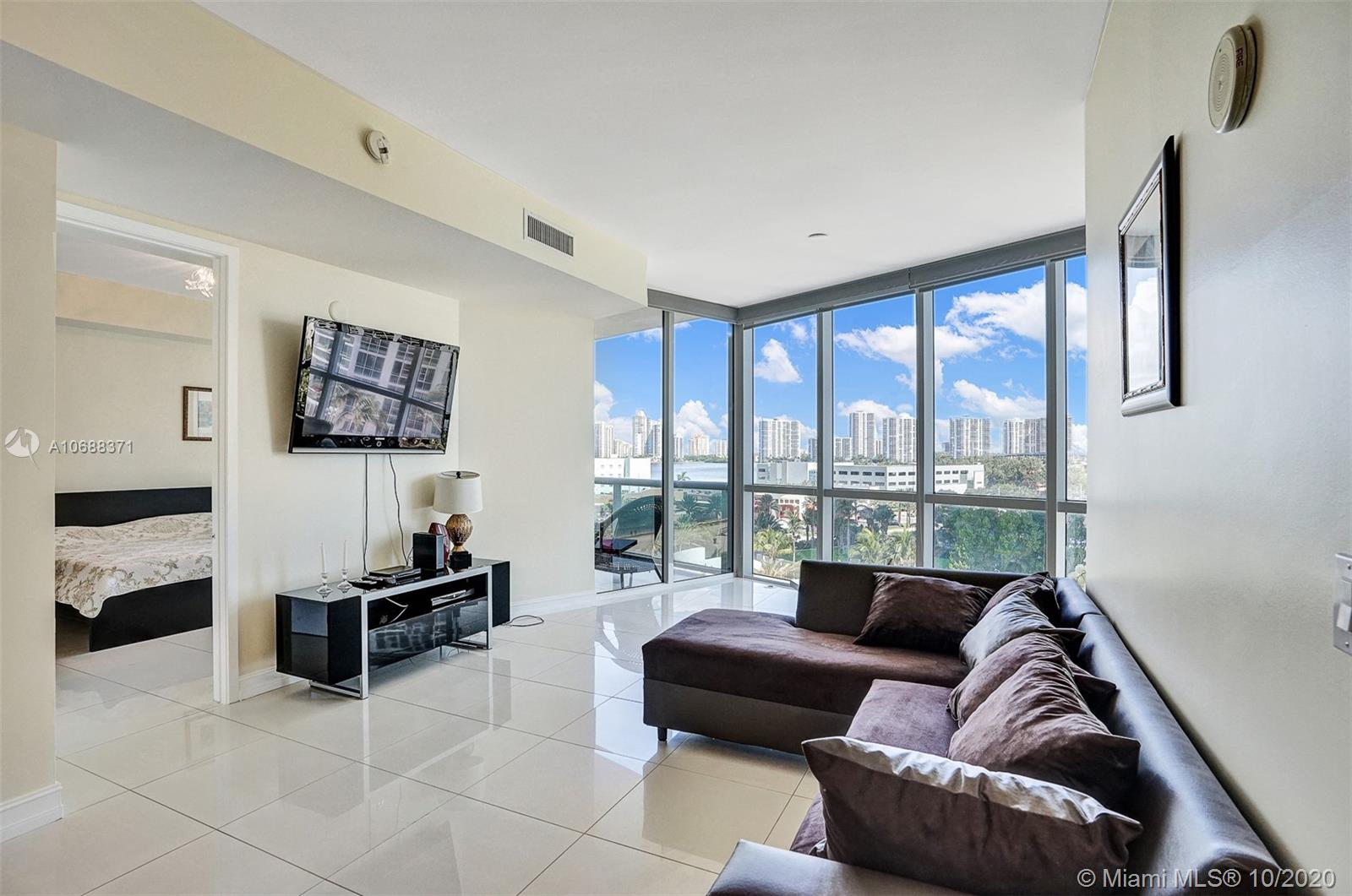 18101 Collins Ave #808 photo02