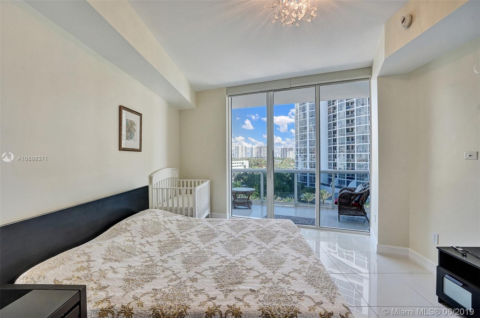 18101 Collins Ave #808 photo026