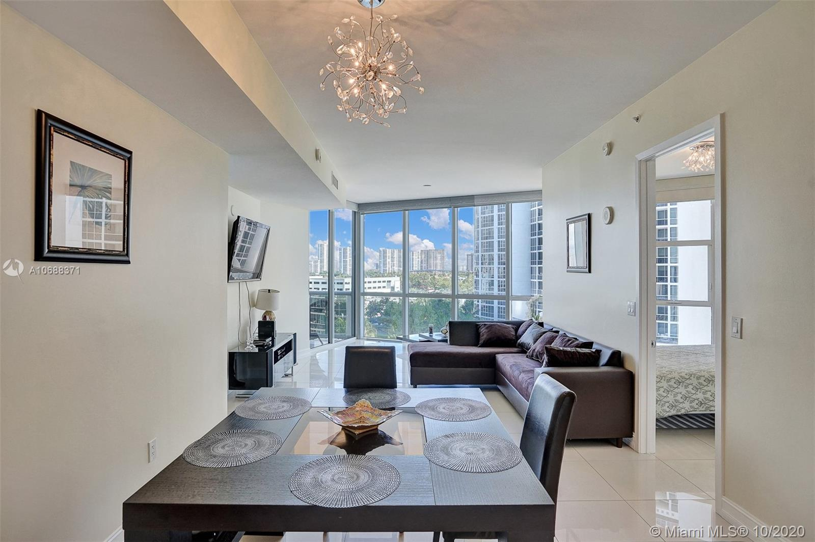 18101 Collins Ave #808 photo05