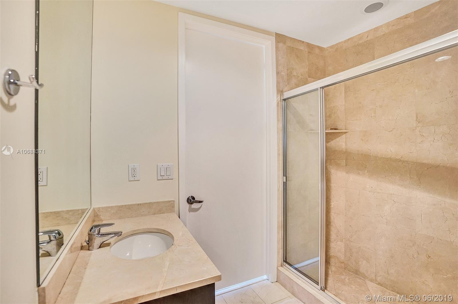 18101 Collins Ave #808 photo034