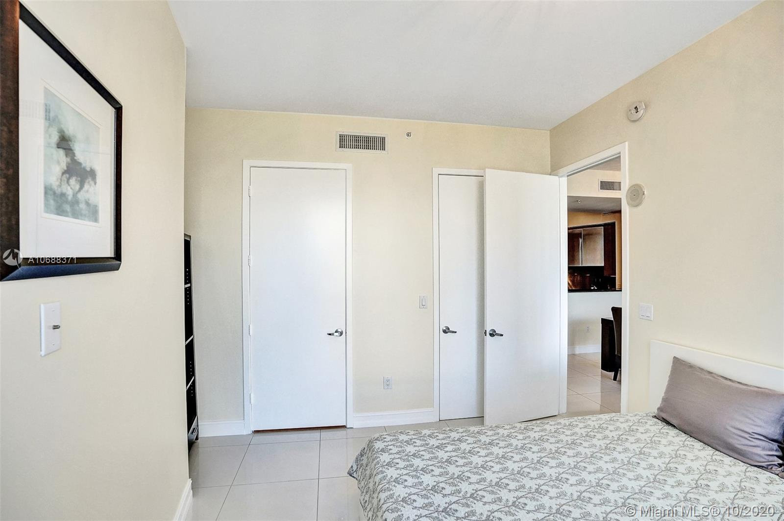 18101 Collins Ave #808 photo033