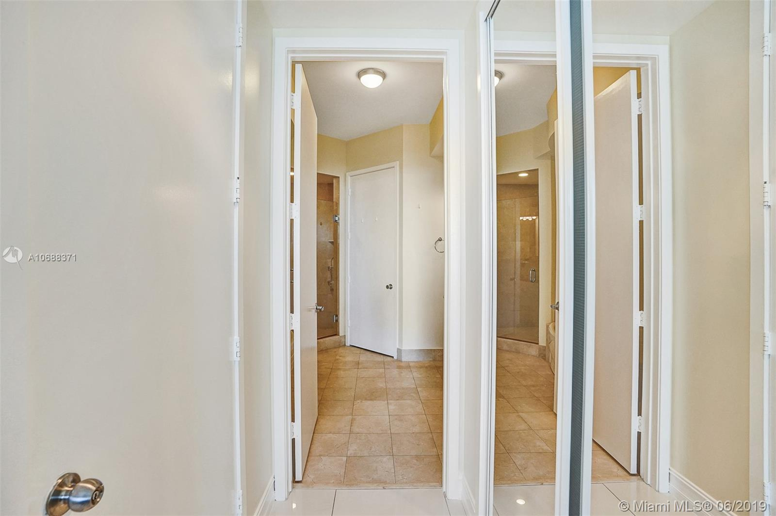 18101 Collins Ave #808 photo035