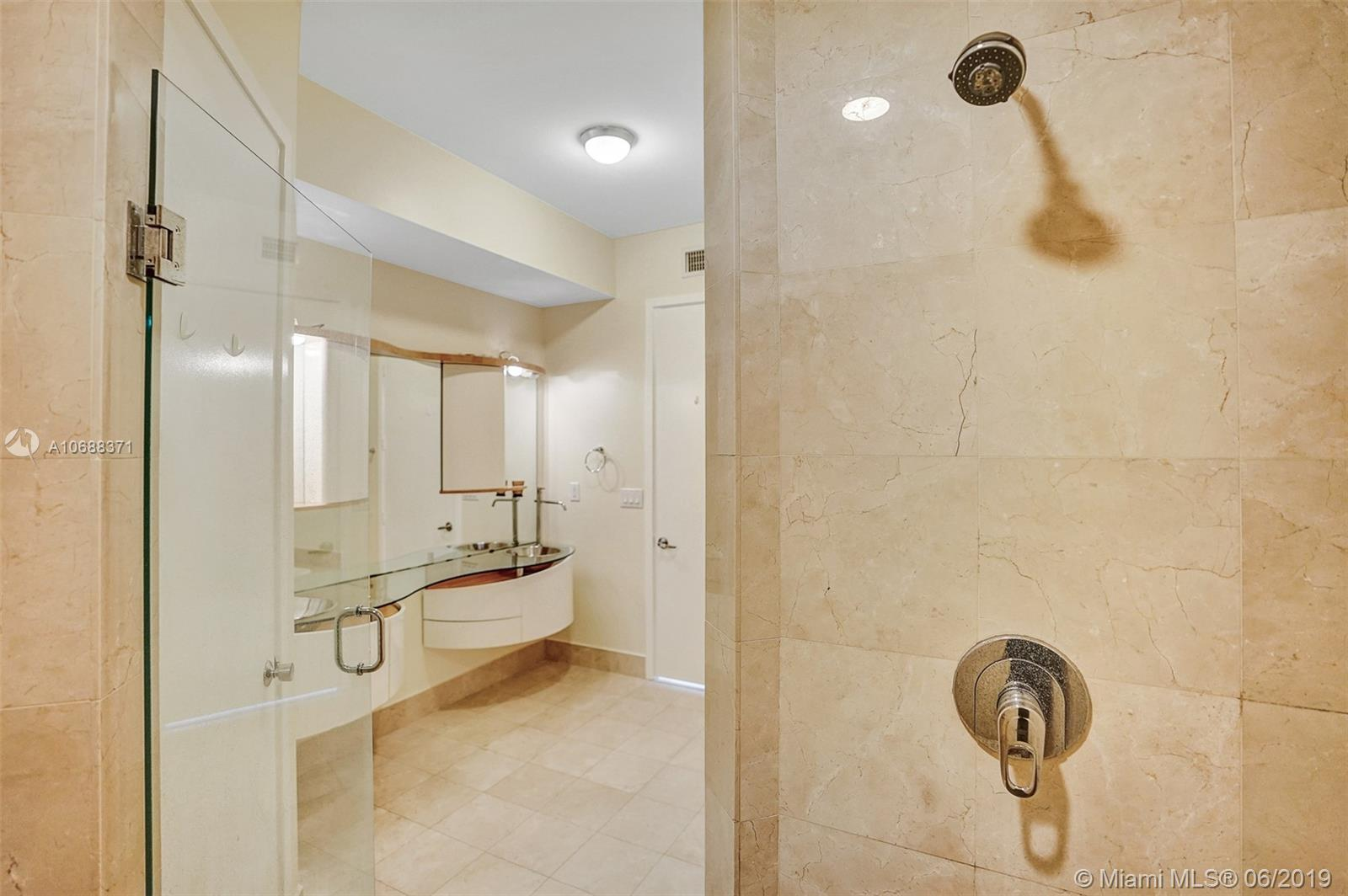 18101 Collins Ave #808 photo029
