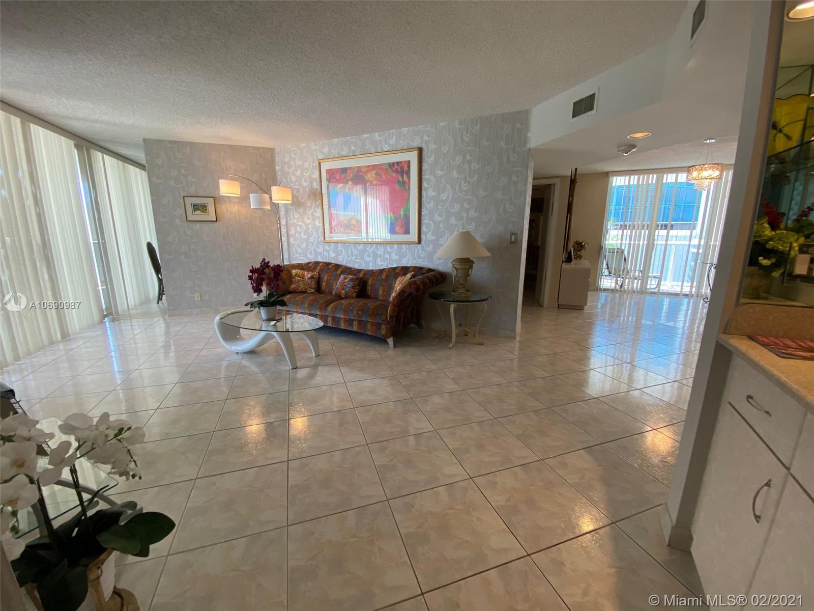 16485 Collins Ave #438 photo06