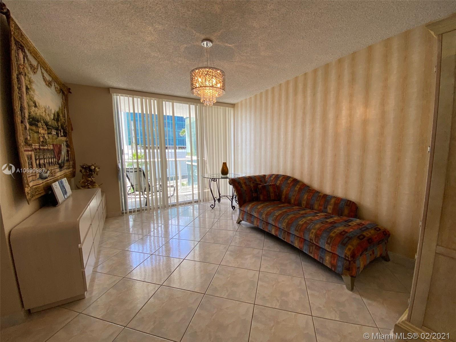 16485 Collins Ave #438 photo07