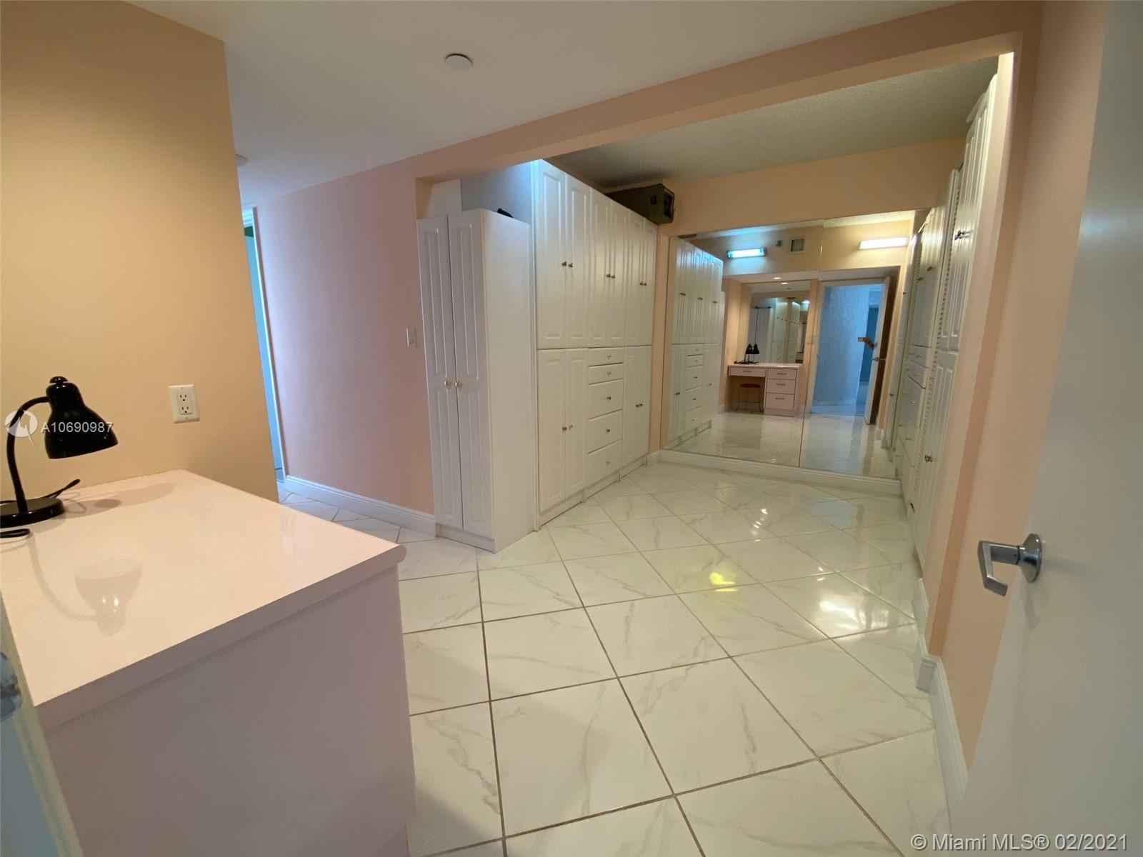 16485 Collins Ave #438 photo014