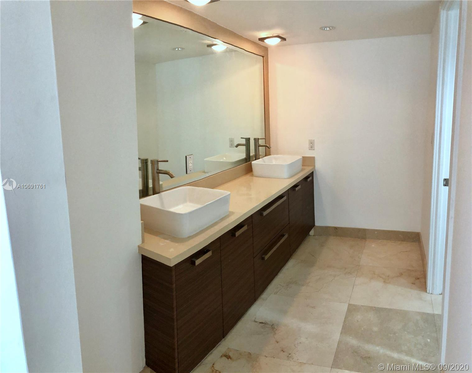 6039 Collins Ave #437 photo04