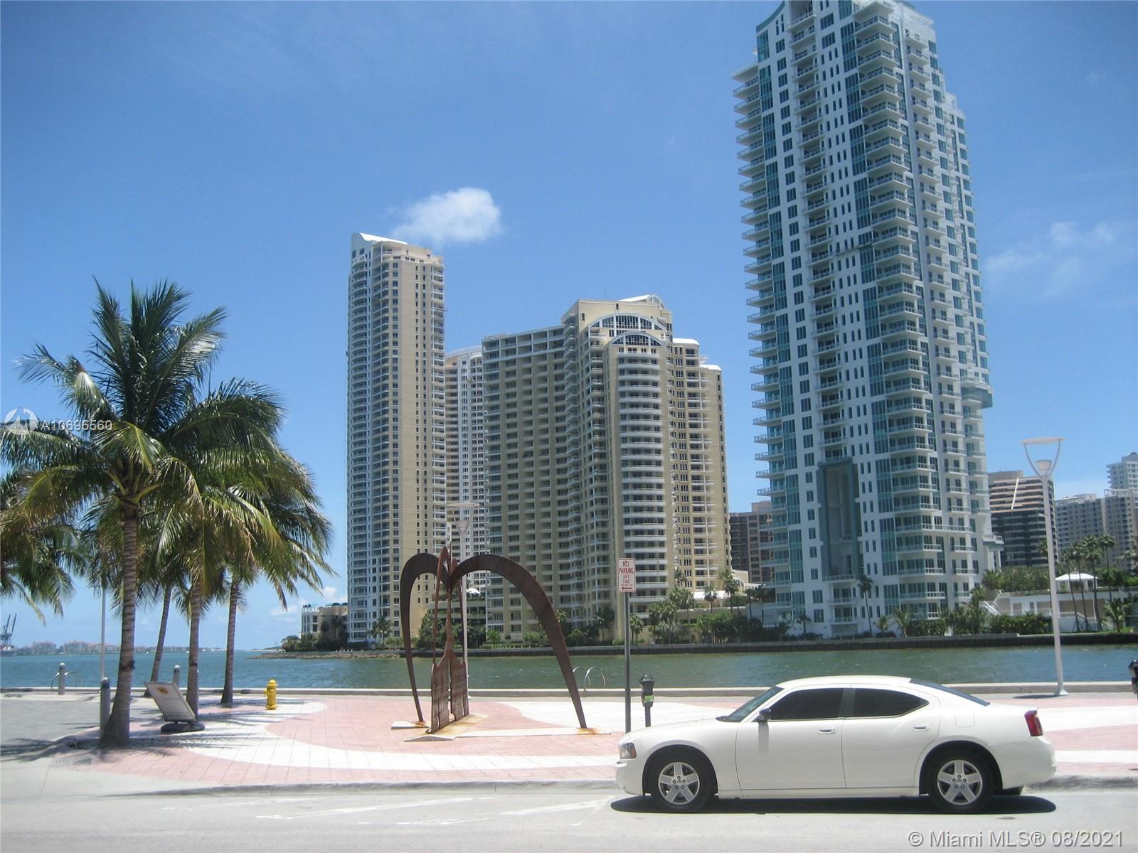 Met 1 #T-1805 - 300 S Biscayne Blvd #T-1805, Miami, FL 33131