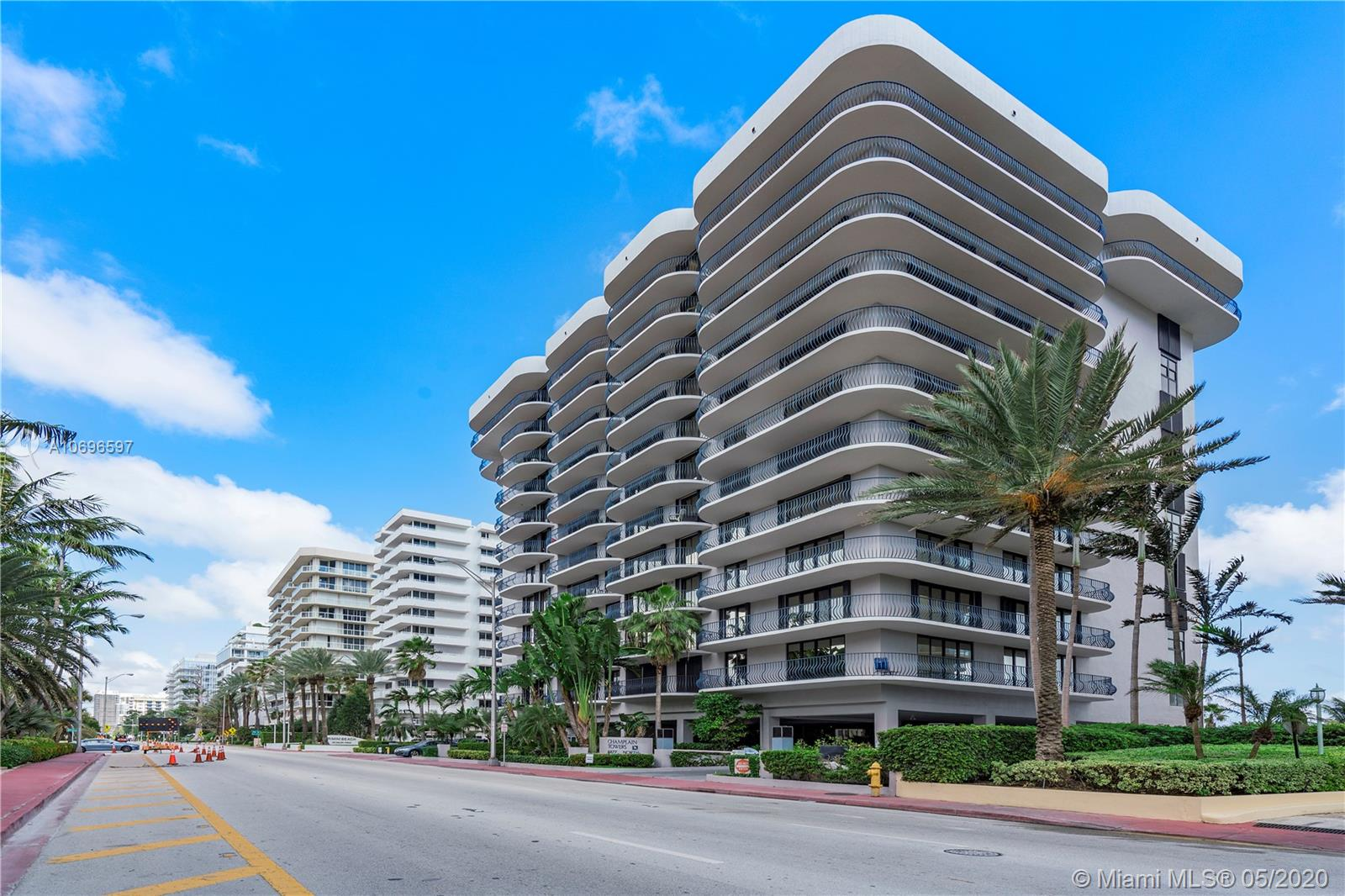 8877 Collins Ave #302 photo01
