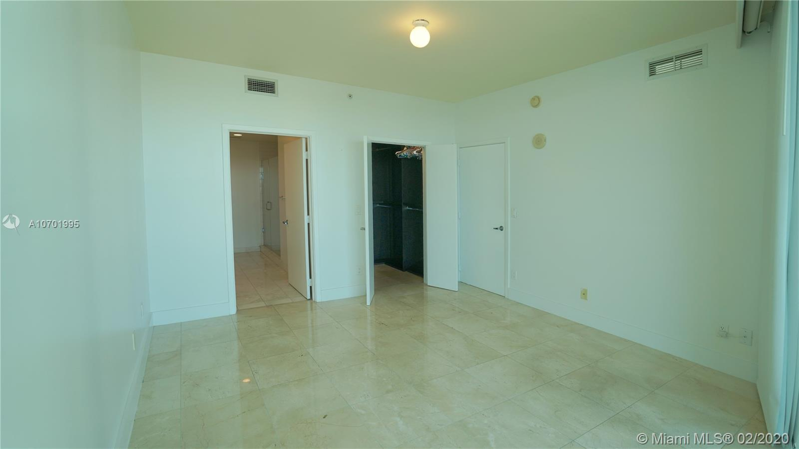 888 Biscayne Blvd #1712 photo027