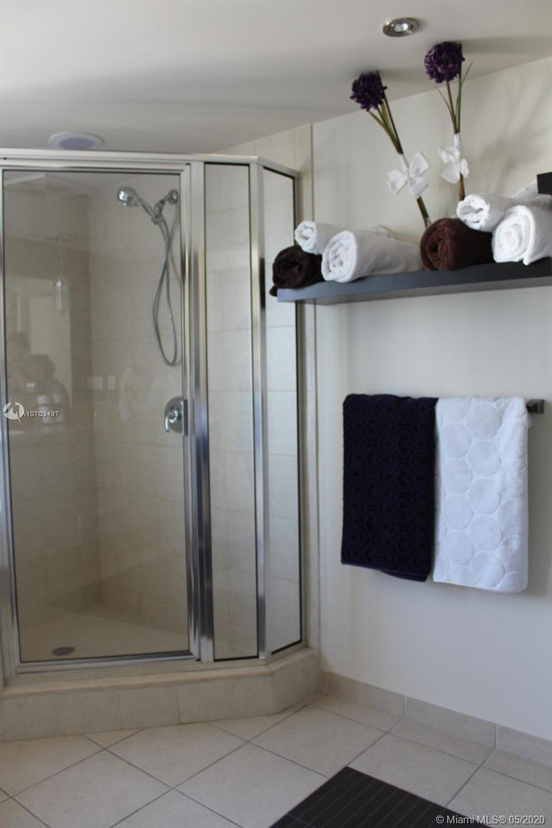 16699 Collins Ave #1607 photo06