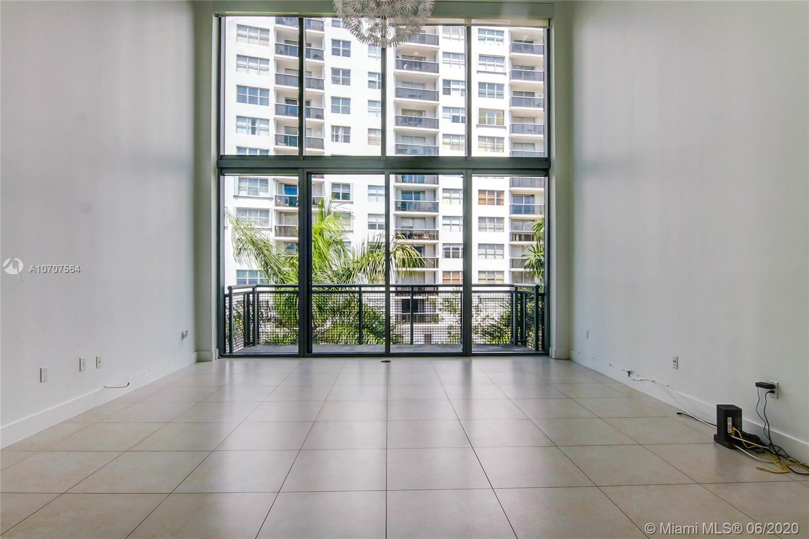 6000 Collins Ave #503 photo05