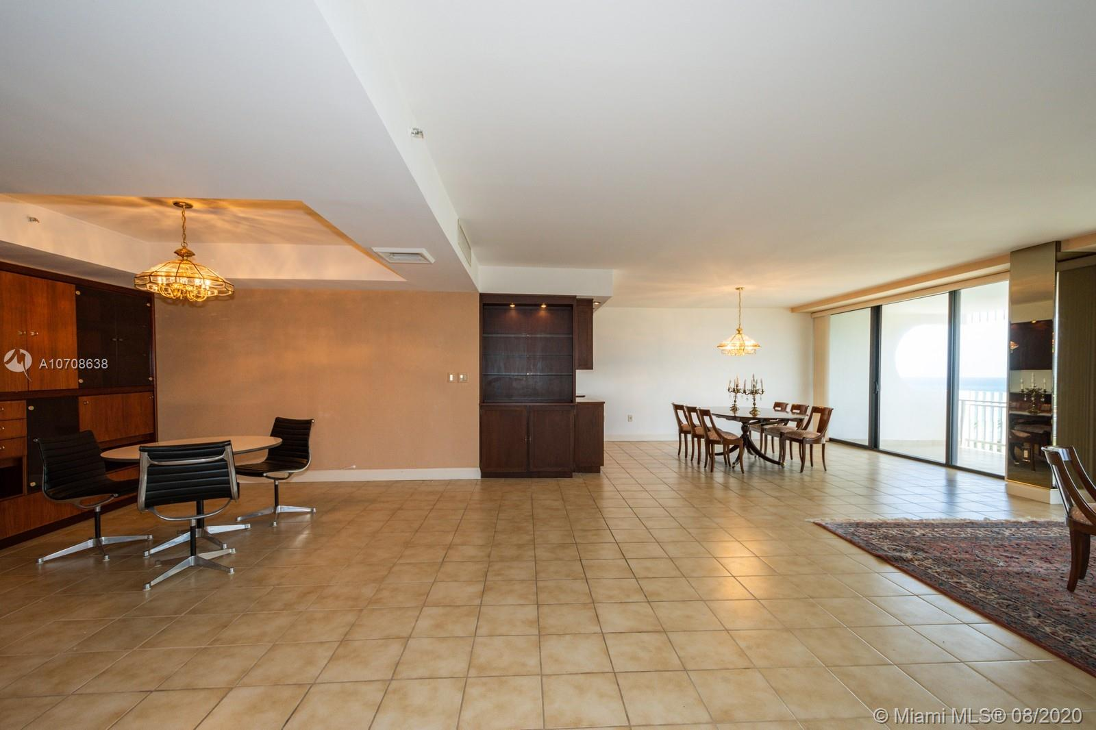 10205 Collins Ave #605 photo06