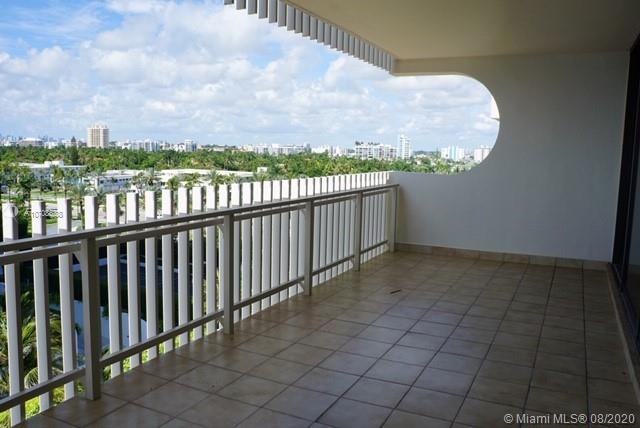 10205 Collins Ave #605 photo04