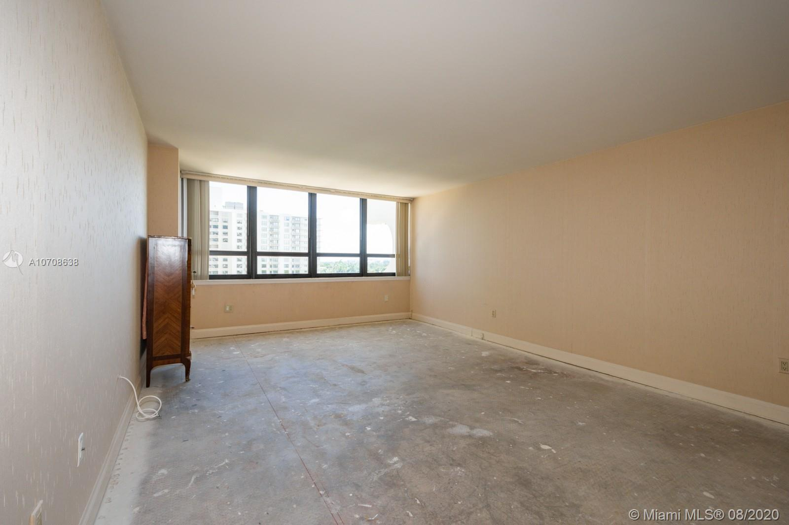 10205 Collins Ave #605 photo08