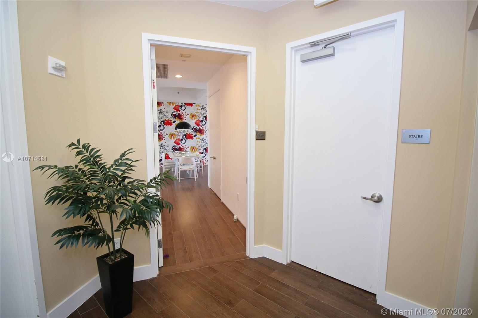 15811 Collins Ave #3705 photo02