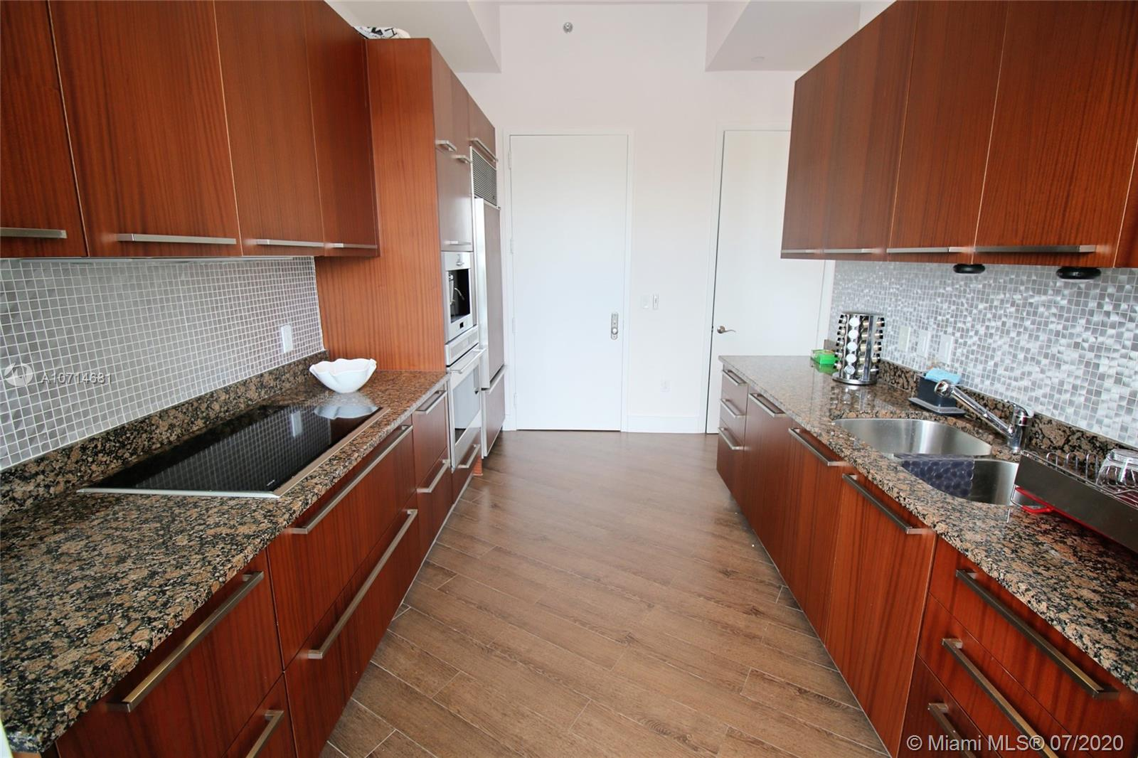 15811 Collins Ave #3705 photo09