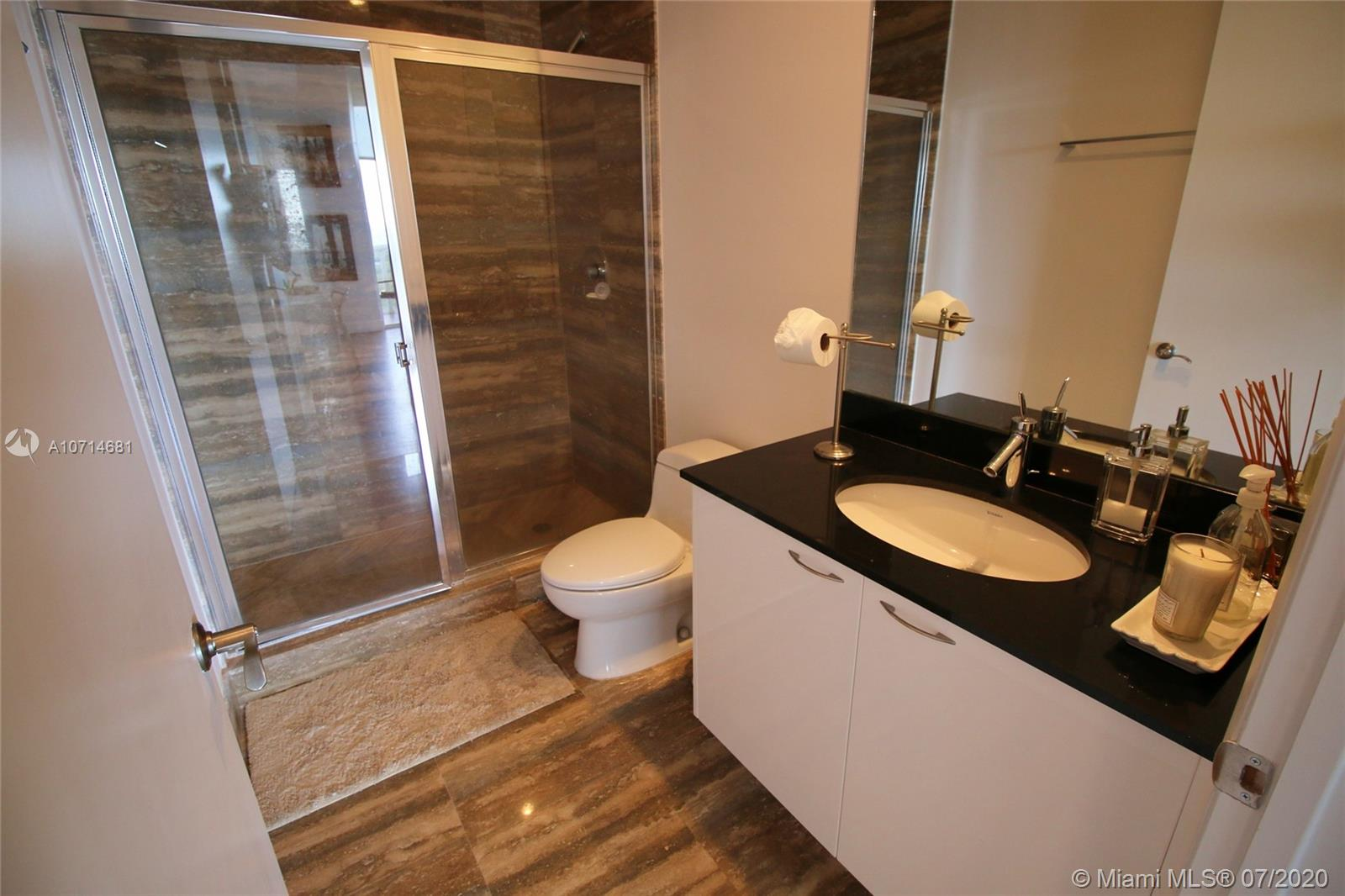 15811 Collins Ave #3705 photo010