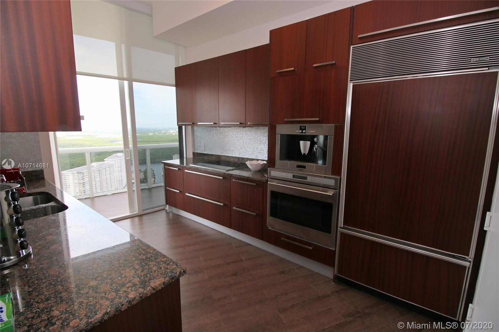 15811 Collins Ave #3705 photo08