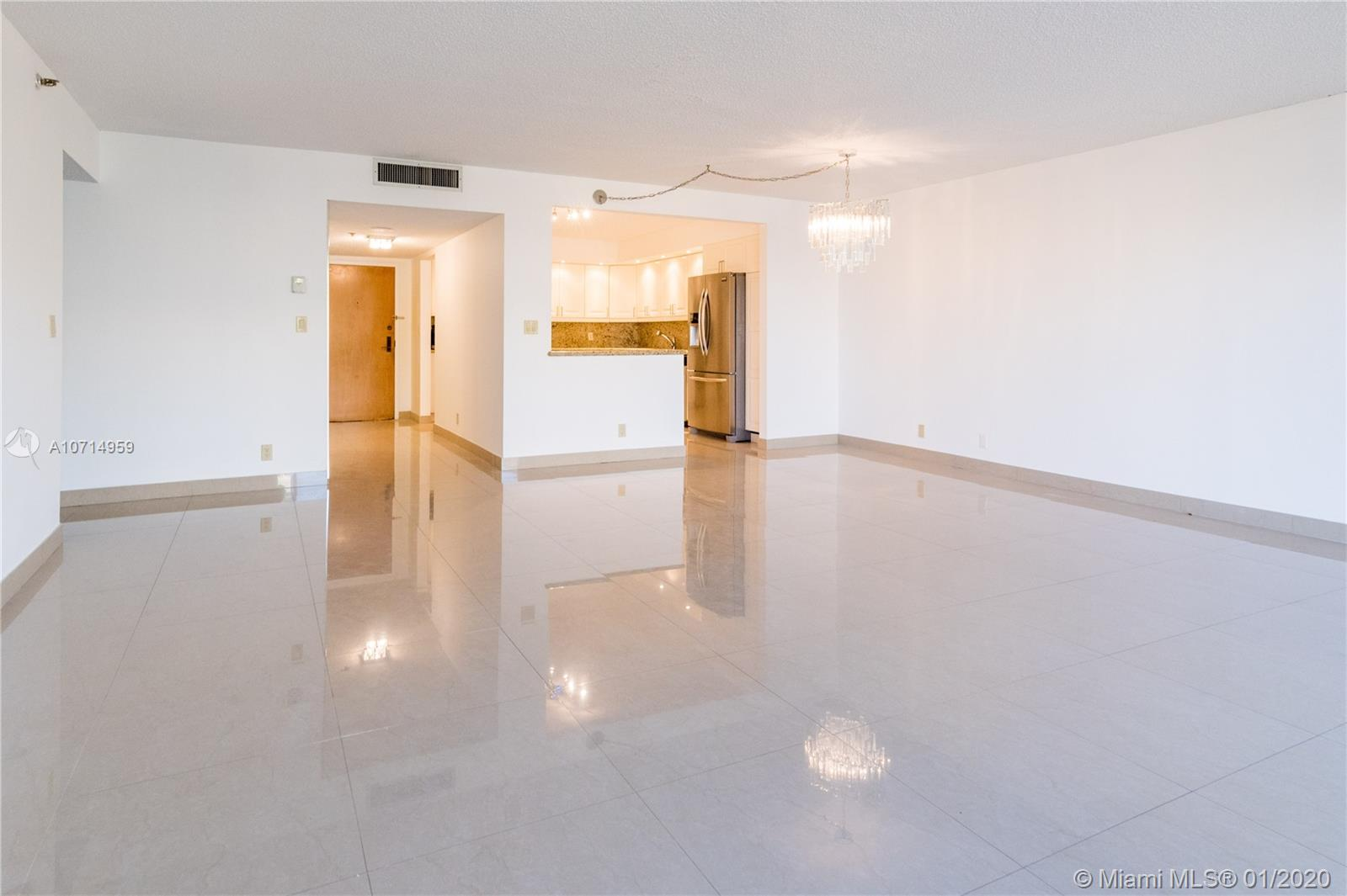 8877 Collins Ave #304 photo010