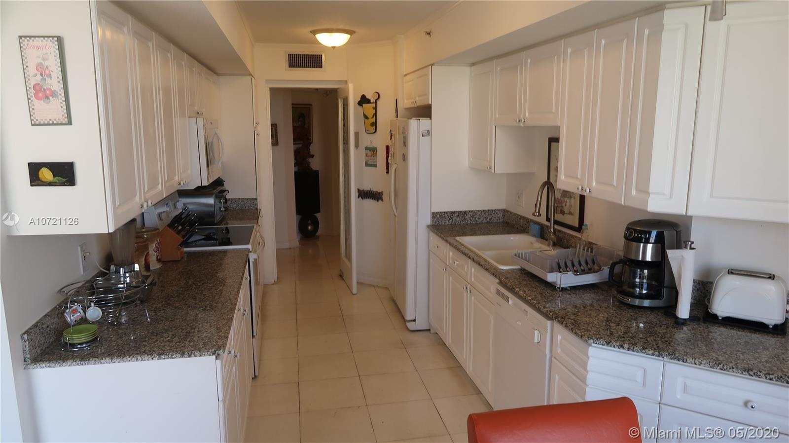 17275 Collins Ave #802 photo017