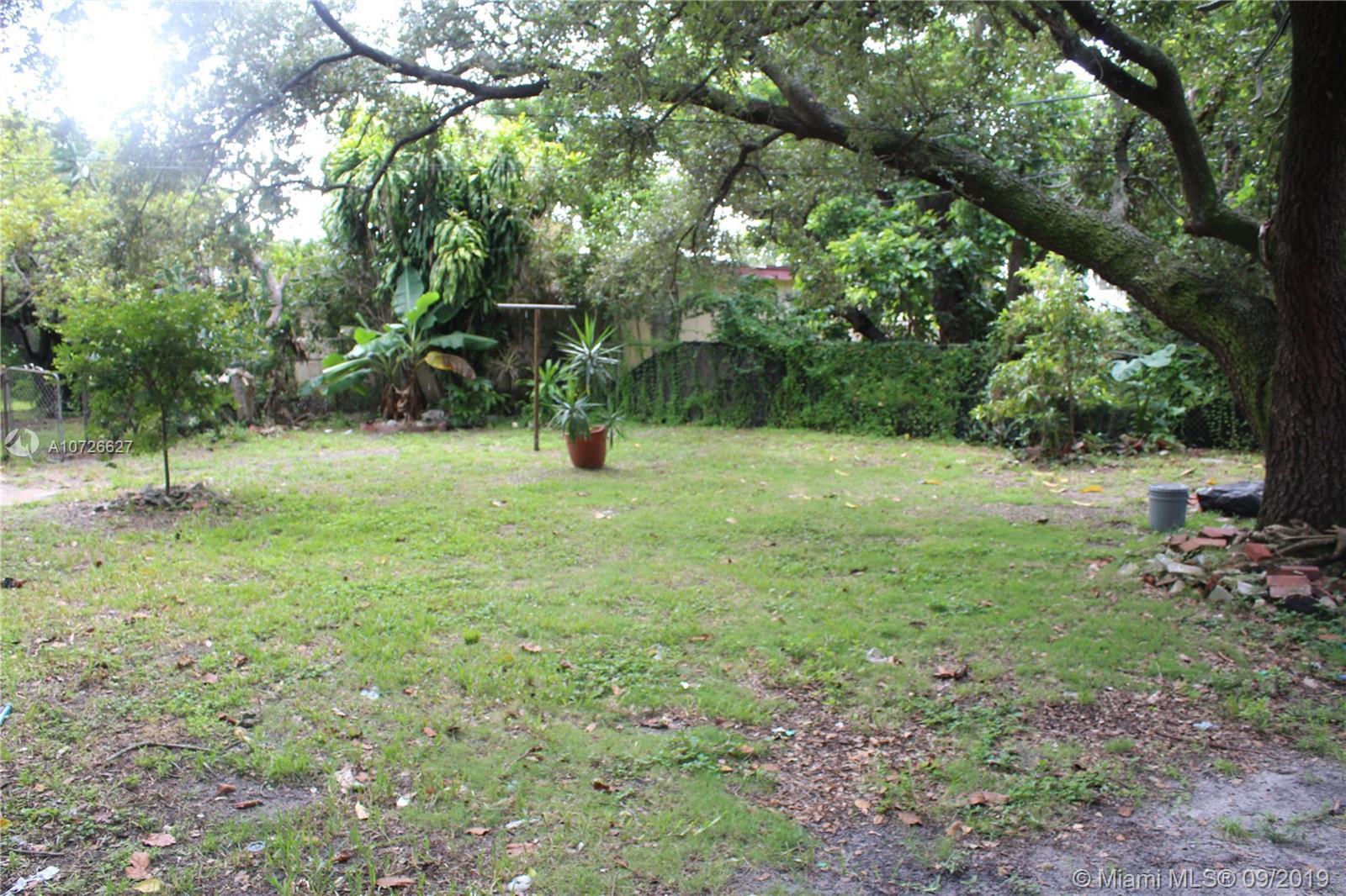 Bisc Gardens # - 14 - photo