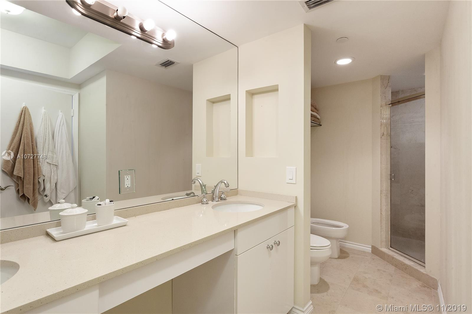 4779 Collins Ave #1205 photo010