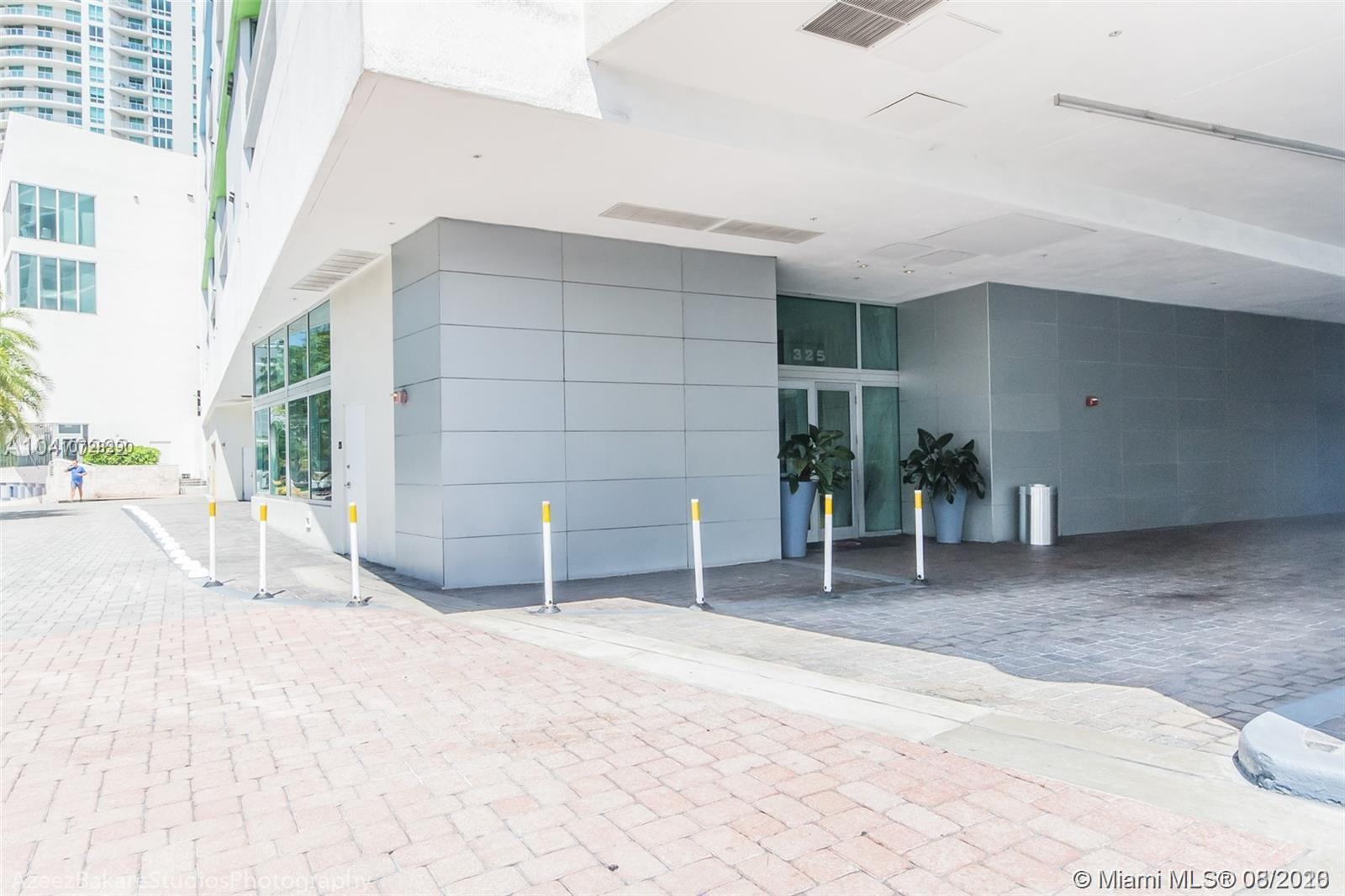 335 S Biscayne Blvd #3300 photo052