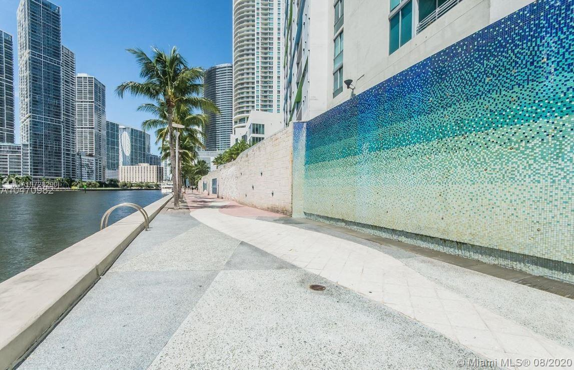 335 S Biscayne Blvd #3300 photo026
