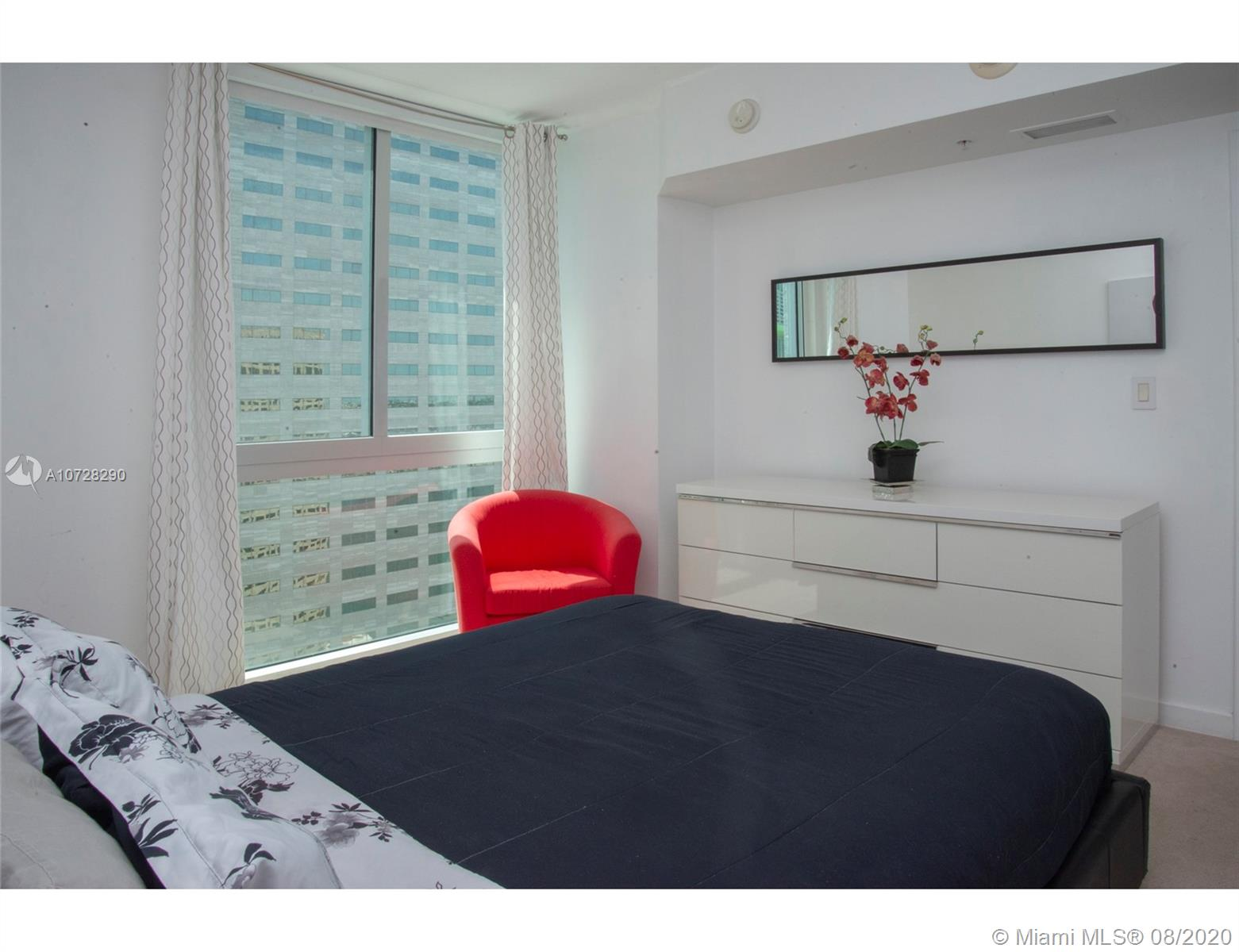 335 S Biscayne Blvd #3300 photo014