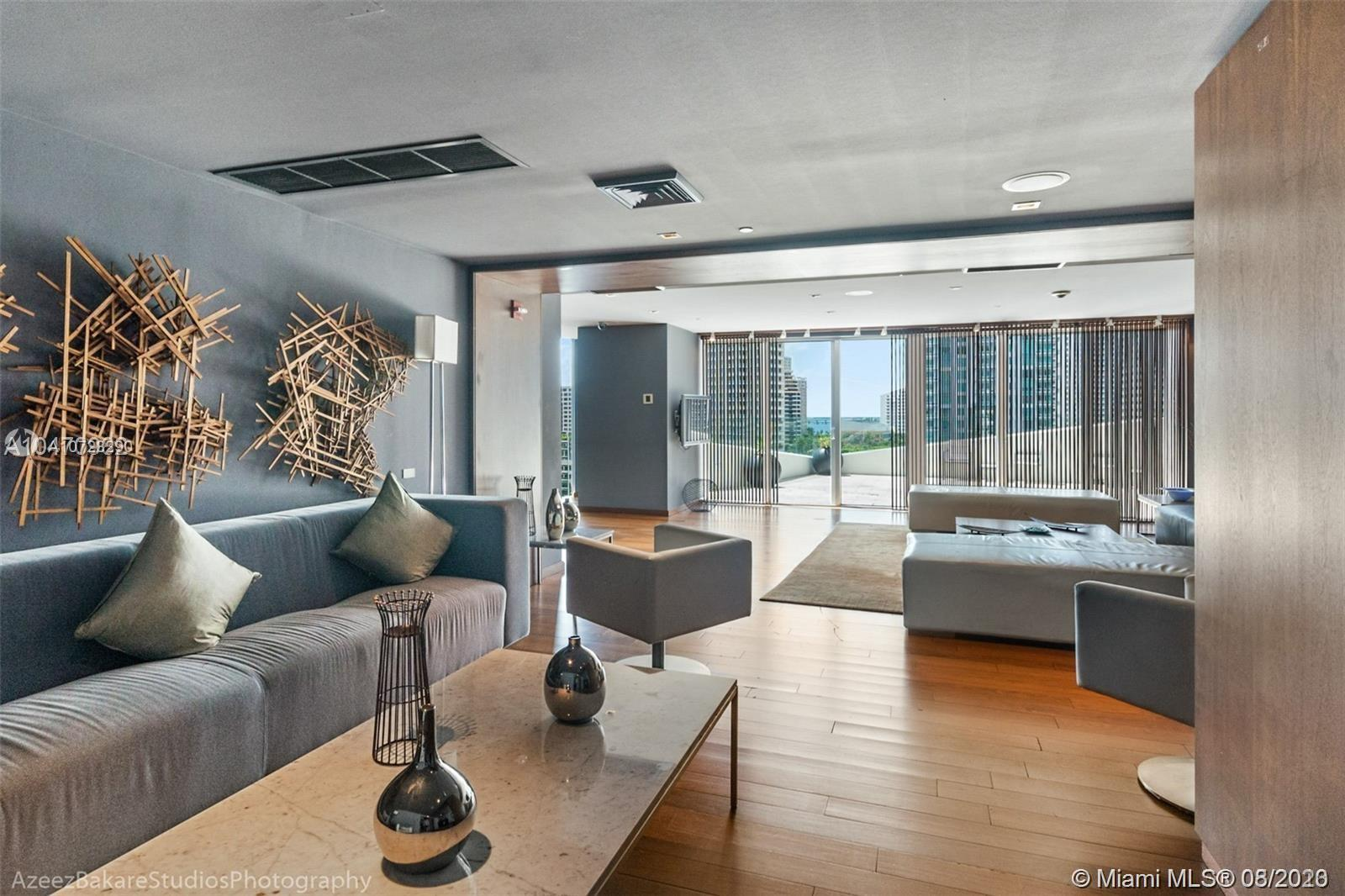 335 S Biscayne Blvd #3300 photo045