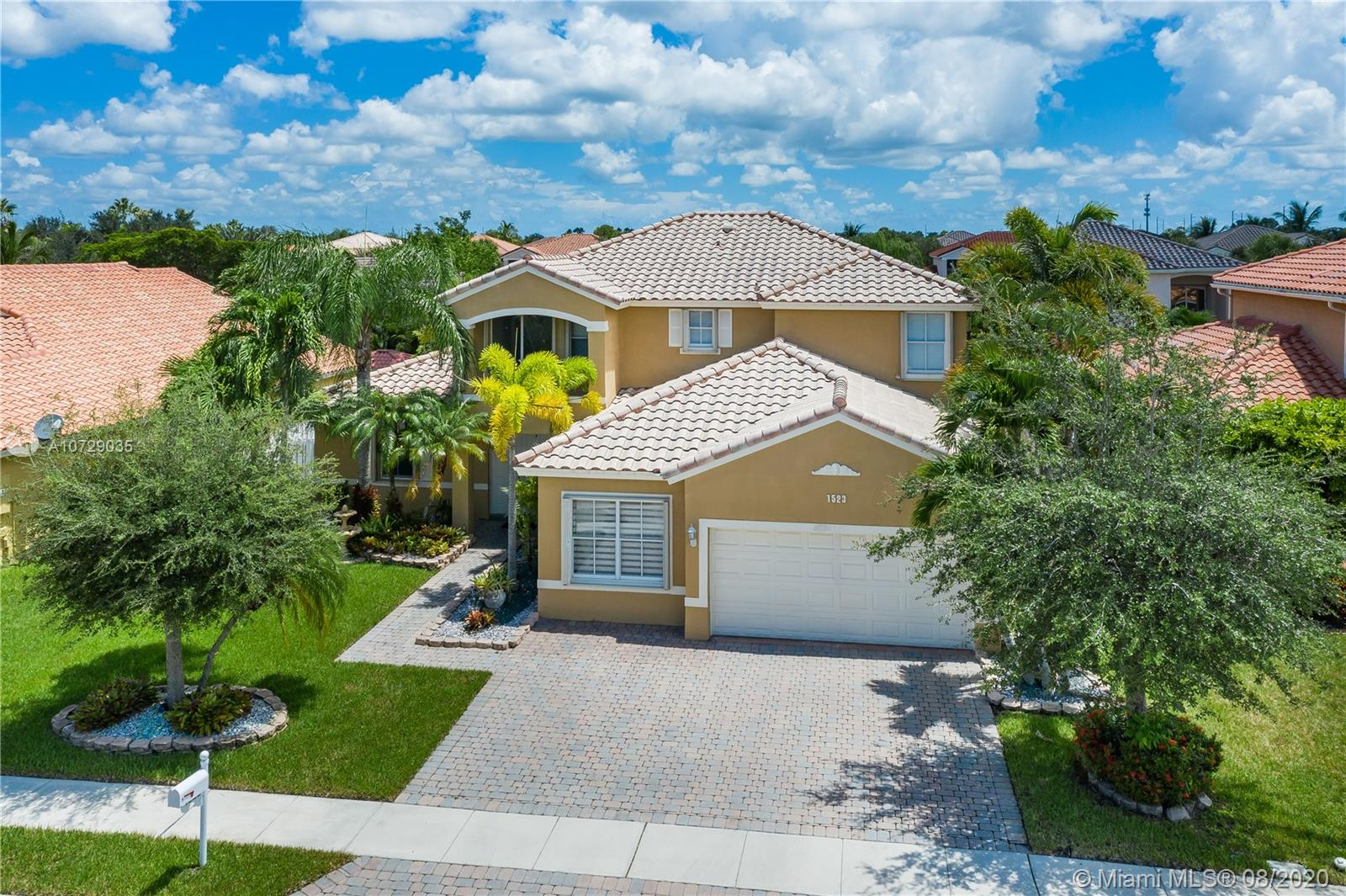 Property for sale at 1523 SW 191st Ln, Pembroke Pines,  Florida 33029