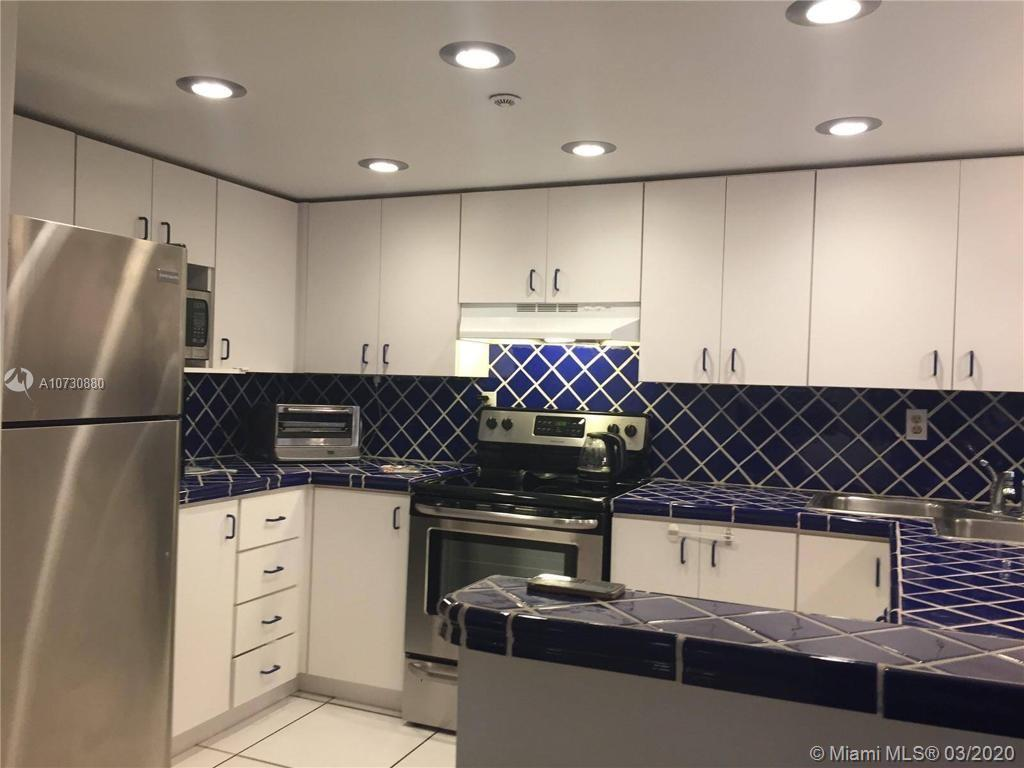 2555 COLLINS AVE #1208 photo09