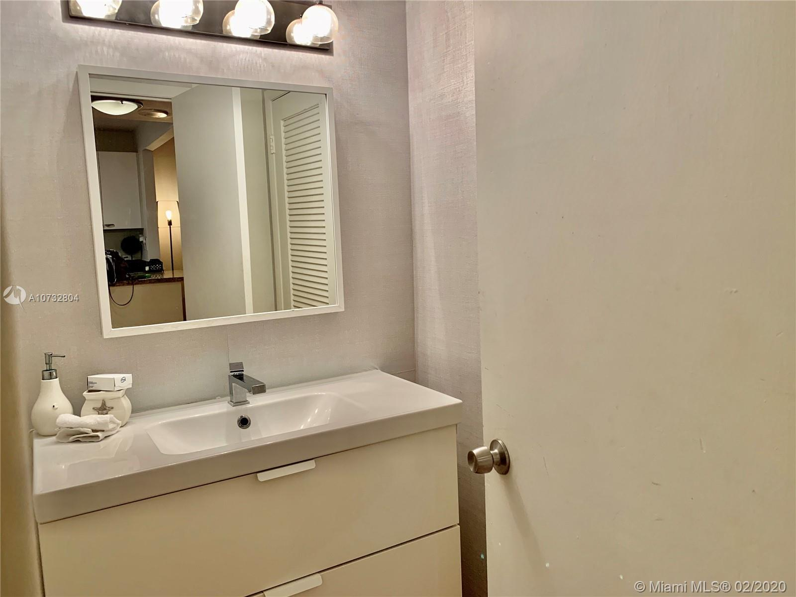 2301 Collins Ave #631 photo017